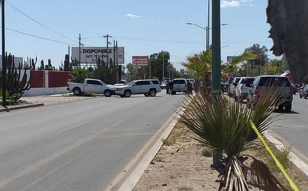 Los presuntos delincuentes fueron abatidos en el Bulevar García Morales, rumbo al aeropuerto de Hermosillo. FOTO: ESPECIAL