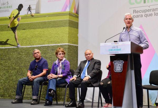 El gobernador mexiquense señaló que es a través del deporte y la cultura como se logra construir comunidades. Foto Leticia Ríos