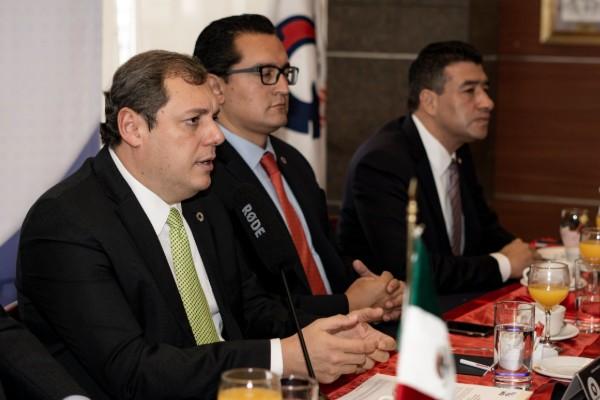 Conferencia de prensa Enoch Castellanos