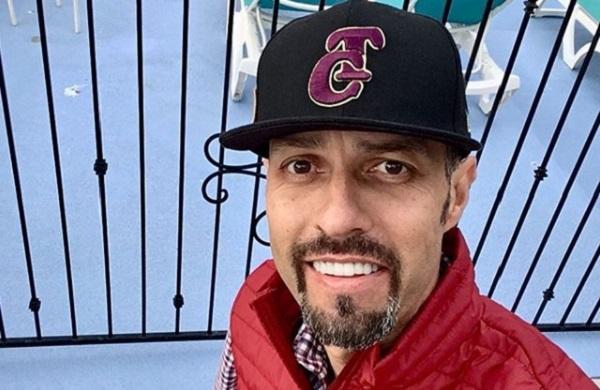 El ex jugador de béisbol de 47 años, envió un mensaje a sus seguidores y disfrutó del sol y la playa de San Diego, previo a entregarse a las autoridades. Foto: Especial
