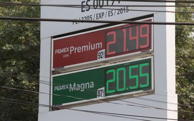 A nivel mundial, el costo por litro es en promedio de 30.41 pesos; México es el lugar 60 de 164 países analizados por Global Petrol. Foto: Cuartsocuro