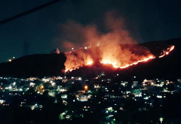 En el lugar ya se realizan las labores necesarias para atender la emergencia. FOTO: ESPECIAL. FOTO: @vulcano_7