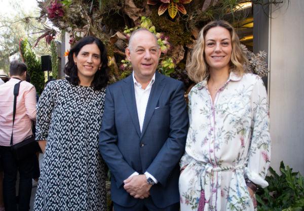 ANFITRIONES DEL EVENTO. Patricia Elías Calles, Ari Berger y Sofía Gorozpe. Foto: Yaz Rivera