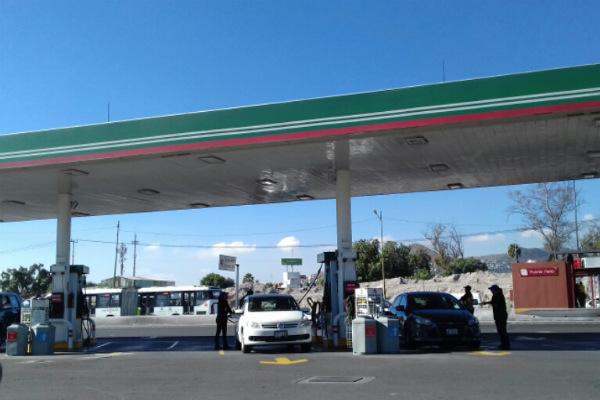 Actualmente hay cerca de 12 mil estaciones de las cuales 76 por ciento son franquicias de Pemex. FOTO: Especial