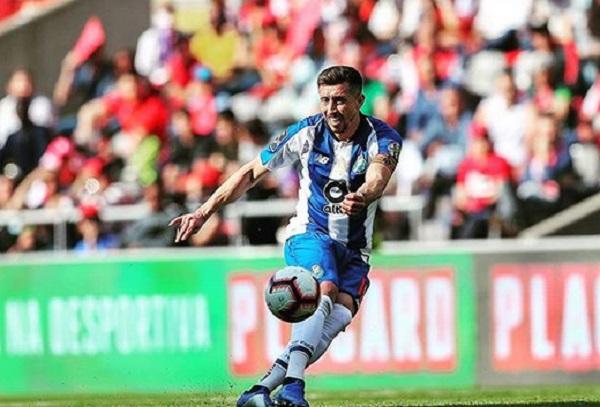 Con el club lusitano, el centrocampista consiguió hacerse del gafete de capitán y ha logrado 34 goles y 34 asistencias en 239 cotejos efectuados. Foto: Especial