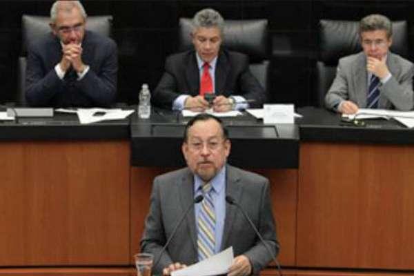 Moreira consideró que las asociaciones entre empresas privadas y Pemex pueden ser una opción viable para incrementar la producción petrolera.FOTO: ESPECIAL