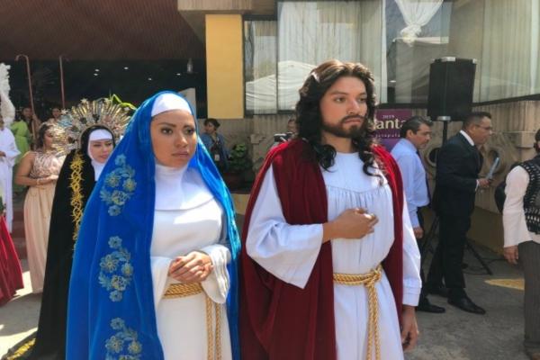 José Antonio tendrá que cargar una cruz de madera de 75 kilos. Foto: Notimex