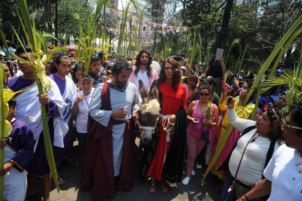 La representación en Iztapalapa inició el pasado Domingo de Ramos. foto: Cuartoscuro