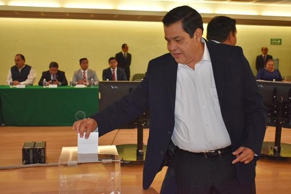 De la Rosa García opinó que la dirigencia del PRD no debe enfocarse en ser una oposición al régimen actual, sino que deben centrarse en conjuntar los esfuerzos. Foto: Especial