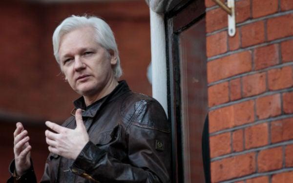 Julian Assange es el fundador de WikiLeaks y es requerido por las autoriaddes.FOTO: AFP