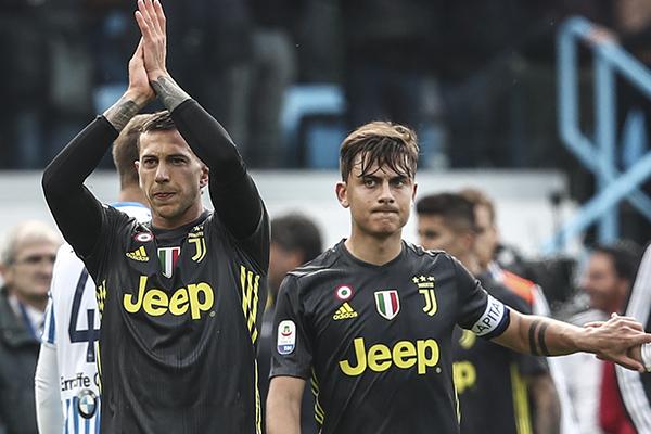 Cristiano Ronaldo no fue titular.  FOTO: AFP