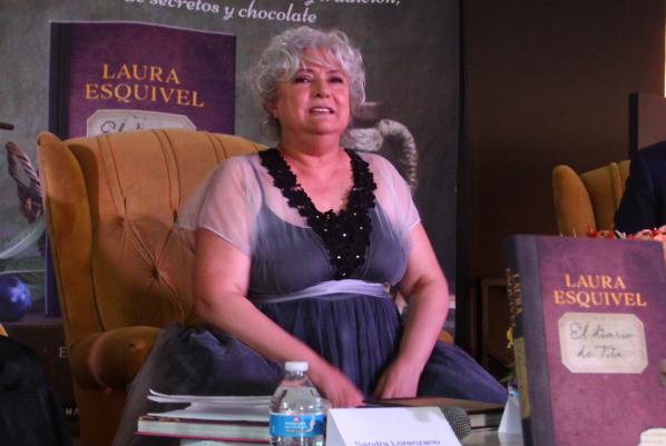 La escritora relató cómo conoció a Armando vega Gil; fue justo antes de que existiera Botellita de Jerez. Foto: Cuartoscuro