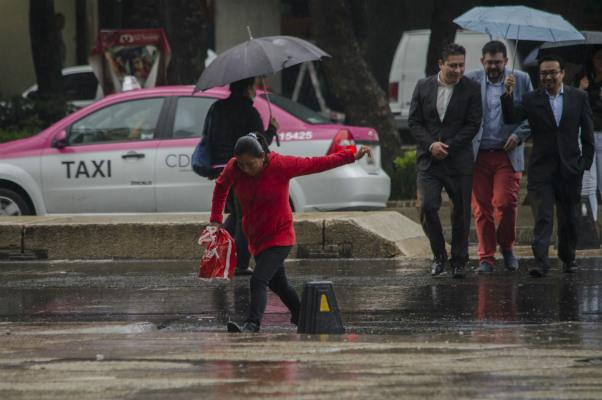 El Sistema de Transporte Colectivo Metro activó la marcha de seguridad en la Línea 8, debido a que llueve en algunas zonas de la Ciudad de México