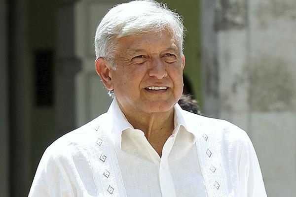Con porras reciben a López Obrador en Campeche: En Vivo