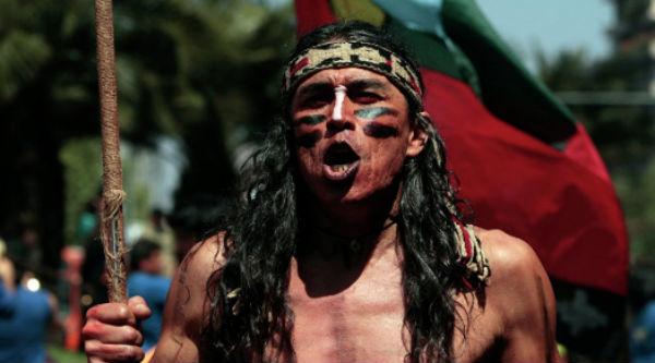 LOS MAPUCHES tienen un fuerte sentido de identidad cultural.FOTO: AP