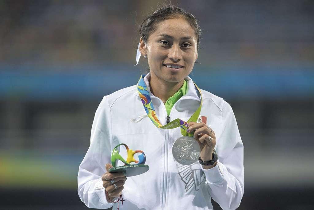 La medallista olímpica y mundial González Romero esperará hasta los primeros días de mayo para conocer la determinación. FOTO: Especial