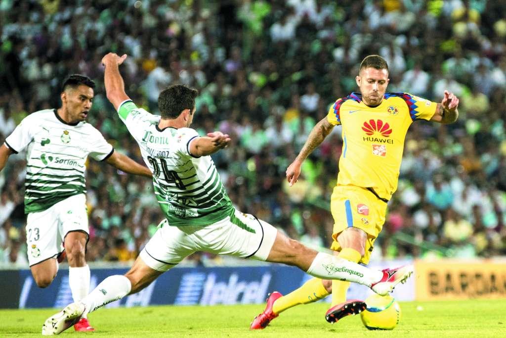 AUSENTE. Jérémy Ménez disputó su último partido completo con el América, precisamente ante Santos, en 2018. Foto: MEXSPORT