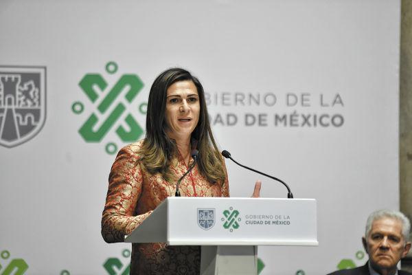 JEFA. Ana Guevara, titular de Conade, estuvo en la presentación de la nueva edición del Maratón CDMX. Foto: Nayeli Cruz
