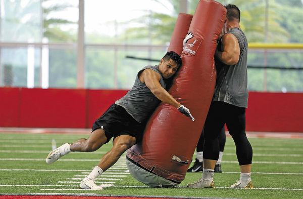 El exjugador de los Borregos Salvajes del ITESM Monterrey realizó pruebas de velocidad, fuerza y posición. Foto: NFL