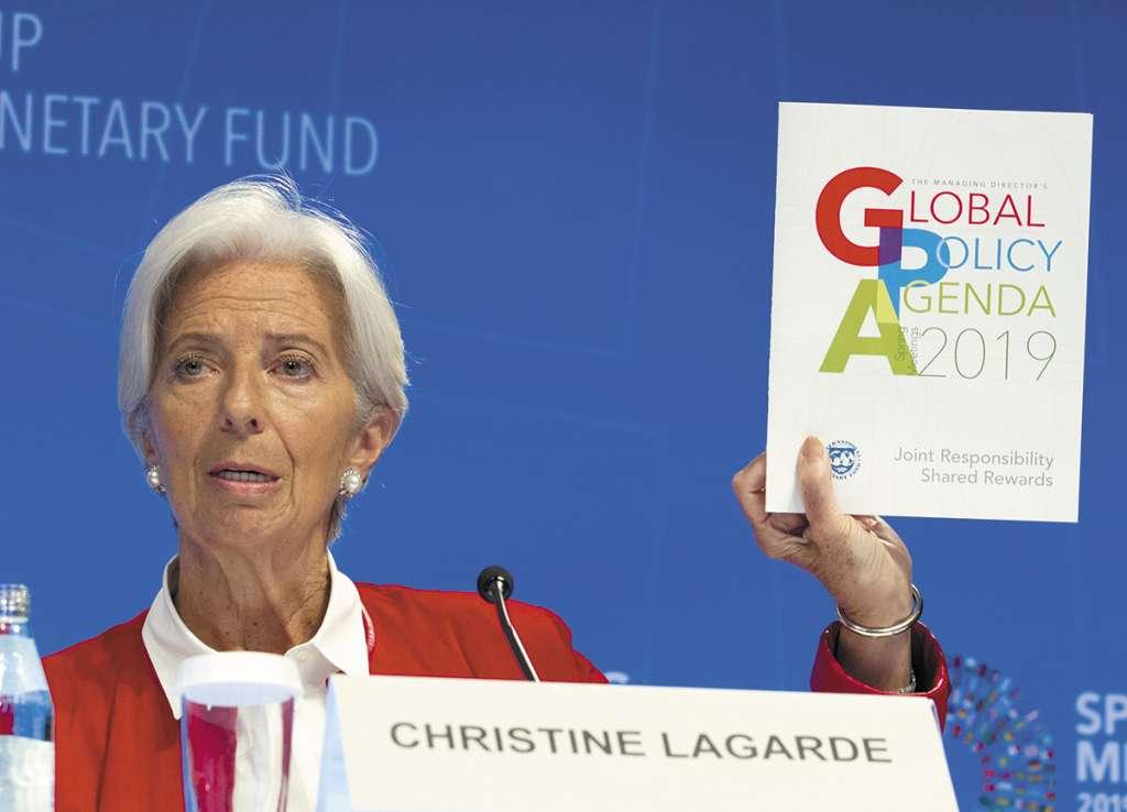 El FMI, al mando de Christine Lagarde, ajustó el PIB de México.FOTO: AP