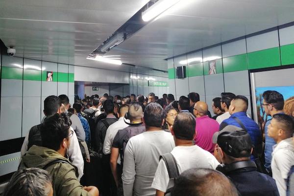 En promedio, el intervalo entre trenes es de entre tres y cuatro minutos, indicó el Metro. Foto: Twitter