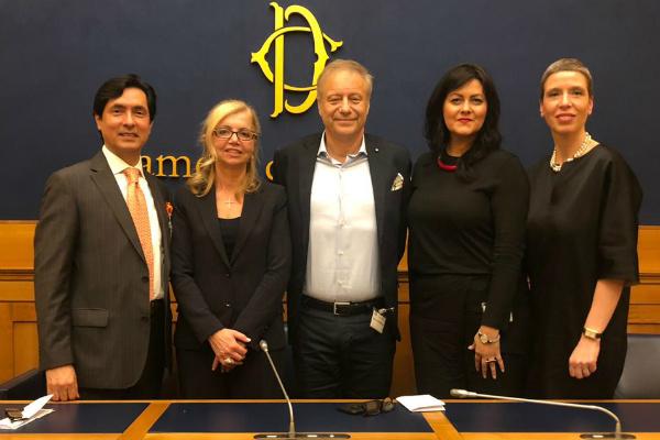 Jorge Luis Hidalgo,Fucsia Nissoli, Patrizio Baroni, Grazia Galeotti y Silvia Mairidi