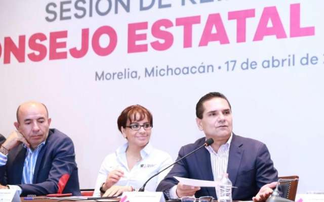 El mandatario michoacano explicó que, en este análisis, deben confluir un grupo de expertos, con la finalidad de tener claridad sobre el convenio y tomar la mejor decisión y avanzar en la regularización del aspecto laboral