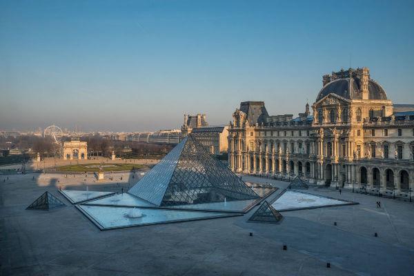 El Museo del Louvre, resguarda obras no se dañaron en el incendio que sufrió la Catedral de Notre Dame. Foto de Twitter @MuseeLouvre