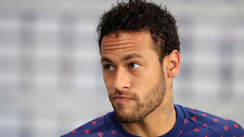 Neymar molesto por agrasion de aficionado