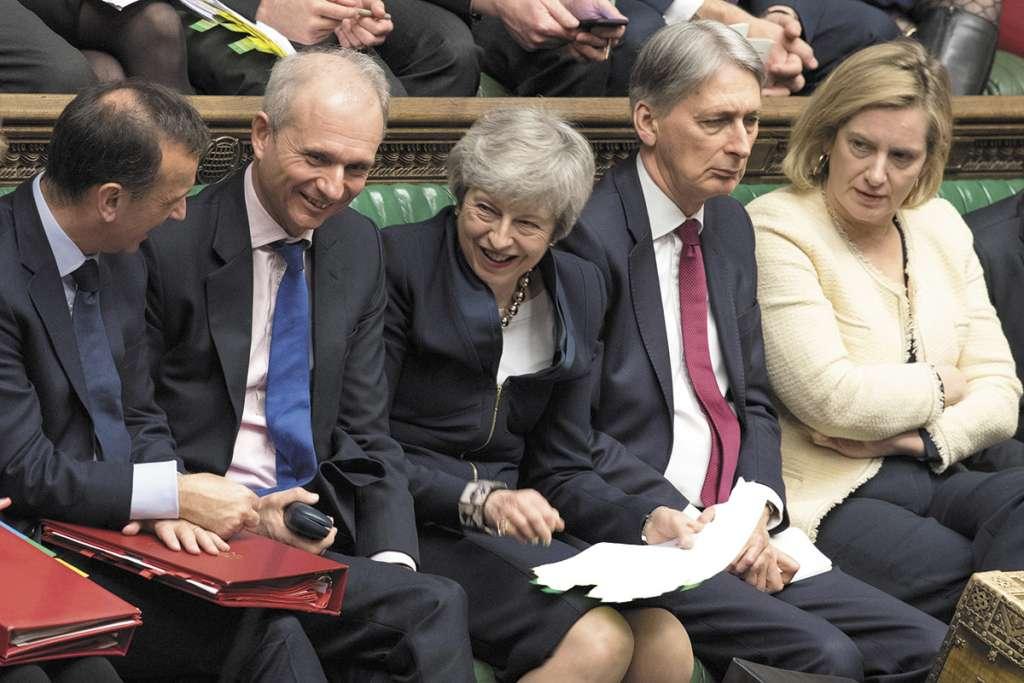 May estuvo en la sesión de preguntas y respuestas en el Parlamento.FOTO: AFP