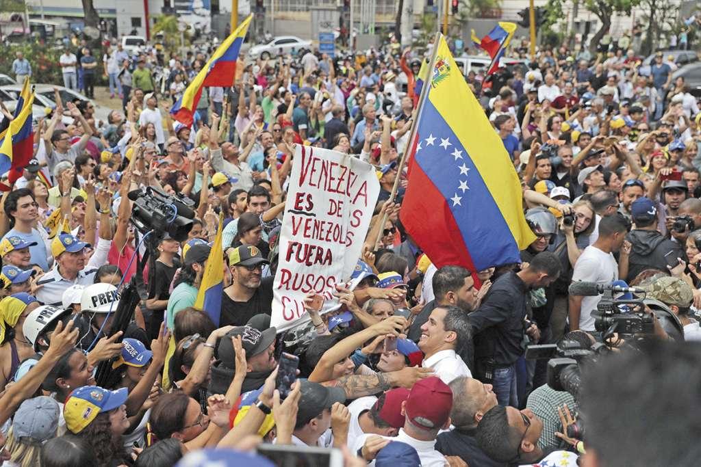 Guaidó convocó ayer a nuevas movilizaciones por la Operación Libertad. FOTO: EFE