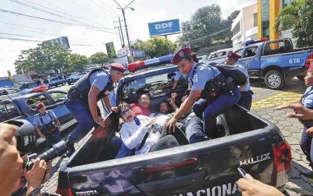 La policía no permite las movilizaciones contra el presidente Daniel Ortega.FOTO: ESPECIAL
