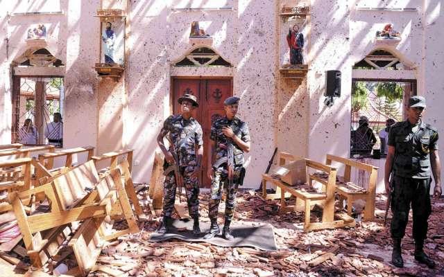 HORROR. En la iglesia San Sebastián, en Negombo, ocurrió una de las primeras explosiones. Foto:AFP