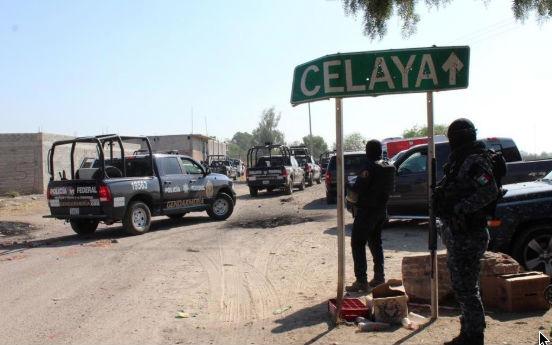 Los operativos iniciaron en la periferia de la Refinería Ing. Antonio M. Amor de Salamanca al inicio de la Guerra contra el Huachicol. FOTO: ESPECIAL