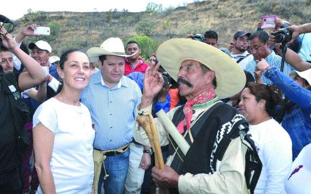 Resultado de imagen para Sheinbaum entrega apoyos a productores en Milpa Alta