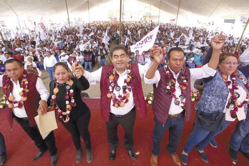 Por la tarde, el candidato convivió con habitantes del municipio de Zacapoaxtla.FOTO: ESPECIAL