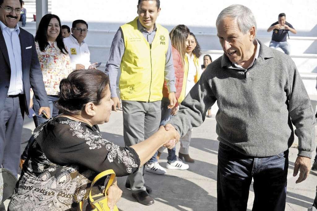 Se reunió con perredistas en San Andrés Azumiatla.FOTO: ESPECIAL