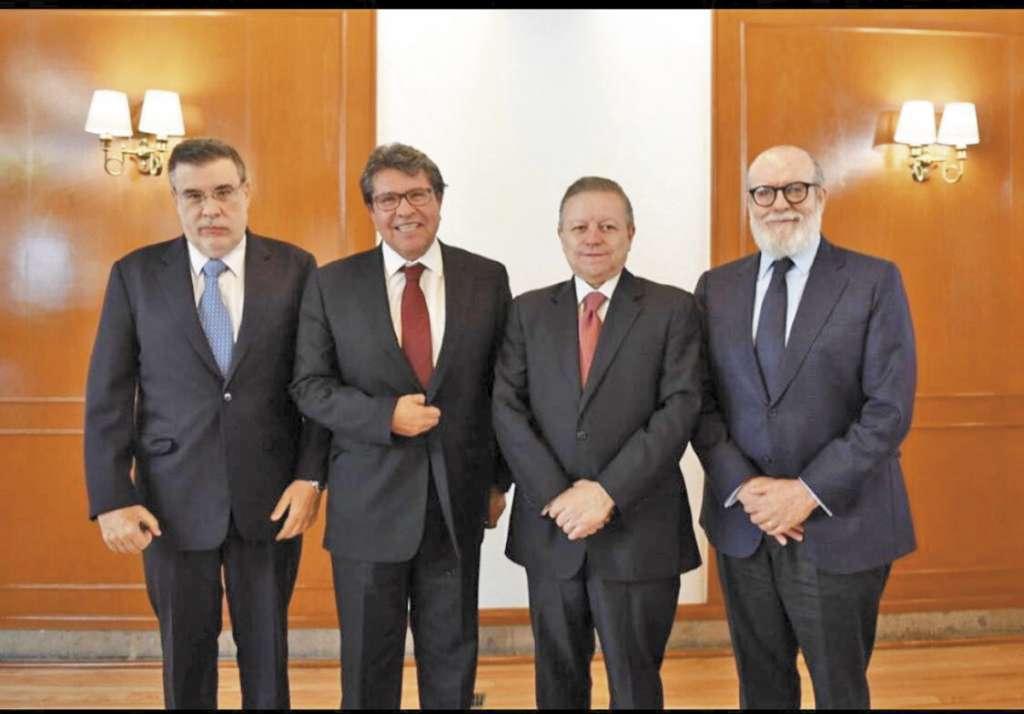 DE IZQUIERDA A DERECHA. Julio Scherer, Ricardo Monreal, Arturo Zaldívar y Felipe Borrego.  Foto: Especial