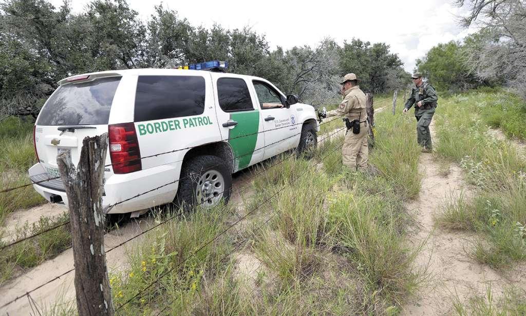 El gobierno estadounidense ha incrementado la vigilancia fronteriza a causa de la migración ilegal. FOTO: AP