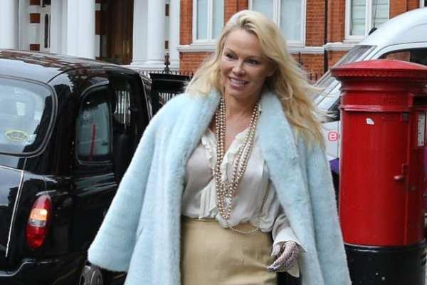 En agosto del 2018, la actriz declaro en una entrevistaque nadie tenía una relación tan cercana con Assange como con ella. Foto: Especial
