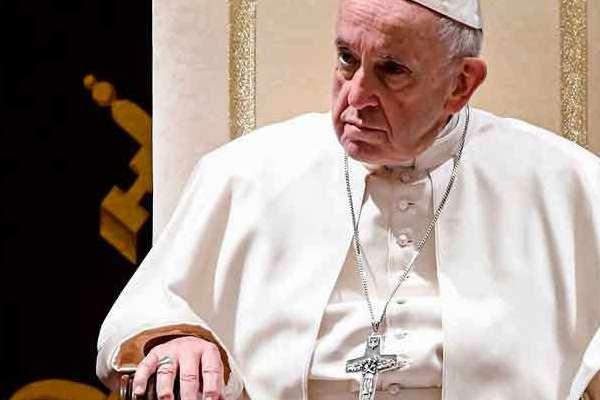 Papa Francisco pide ejercer la profesion con un efecto cristiano