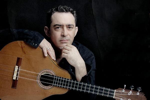 """El cantante de flamenco presentó su segundo disco como solista """"La Raíz Eléctrica"""""""