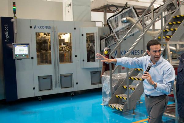 La autoridad sanitaria hará tomas de muestras en las tres fábricas que la empresa tiene en el país