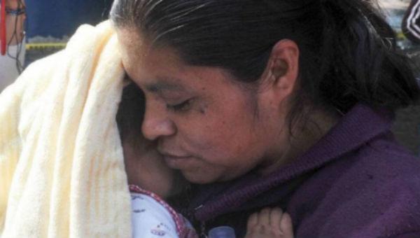 Luego de varios días de sufrimiento, madre e hija volvieron a casa juntas. FOTO: ESPECIAL