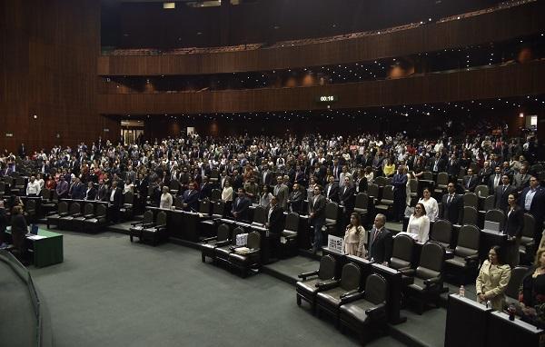Con 381 votos a favor, 2 abstinencias, y 79 en contra se aprobó en lo general el dictamen que modifica los artículos 3, 31 y 73 de la Constitución en materia de Reforma Educativa. Foto: Cuartoscuro