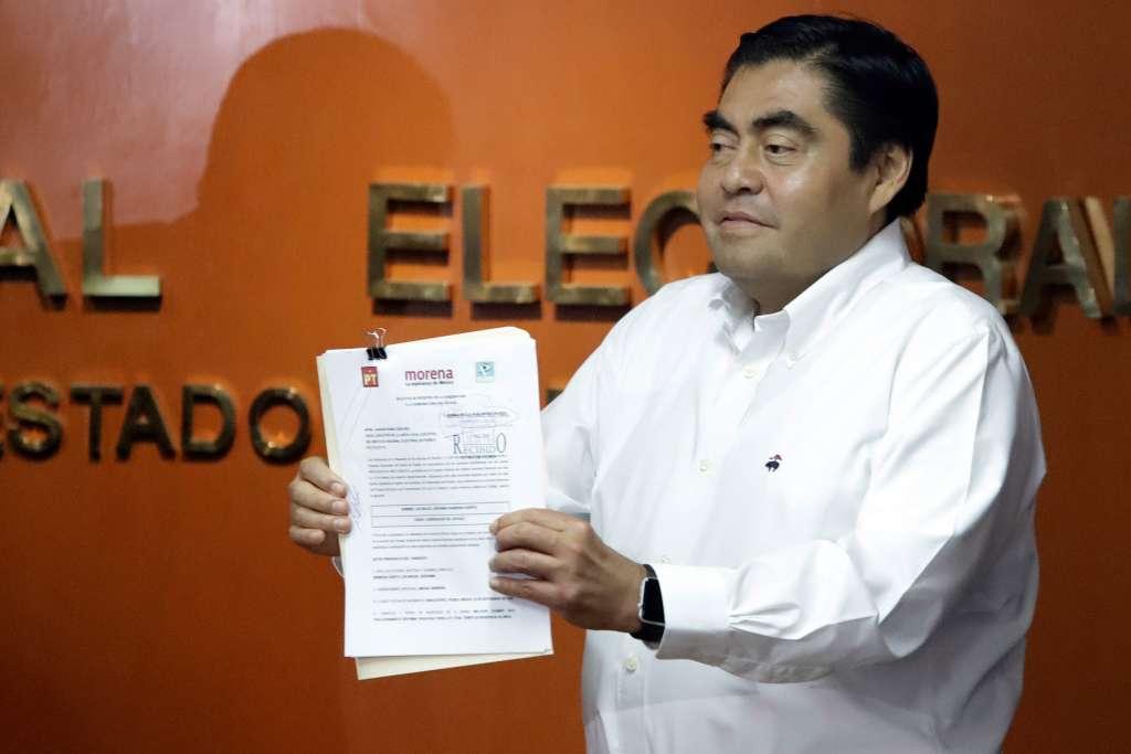 Miguel Barbosa dijo que acatará la resolución de la Sala Superior; espera que el CEN de Morena dé respuesta. Foto: Cuartoscuro