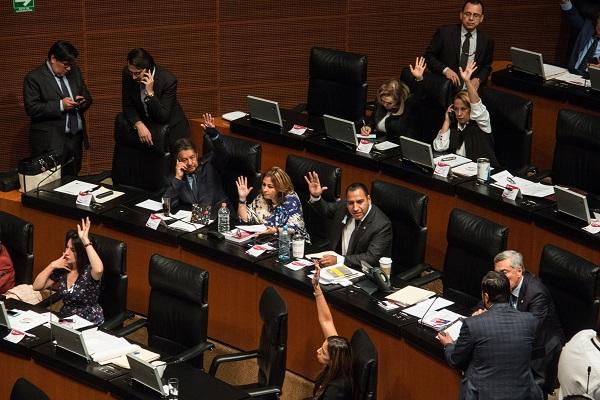 El Senado inició la tarde de este martes la discusión para elegir a nuevos integrantes de la Comisión Reguladora de Energía (CRE), luego de rechazar una moción suspensiva presentada por el PAN. Foto: Cuartoscuro