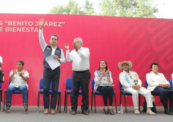 El presidente explicó que la Federación se haga cargo de todo lo que tiene que ver con la educación en Michoacán. FOTO: ESPECIAL