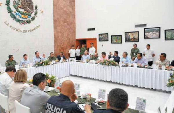 Autoridades de ambos estados tuvieron encuentro en Mazatlán.FOTO: ESPECIAL