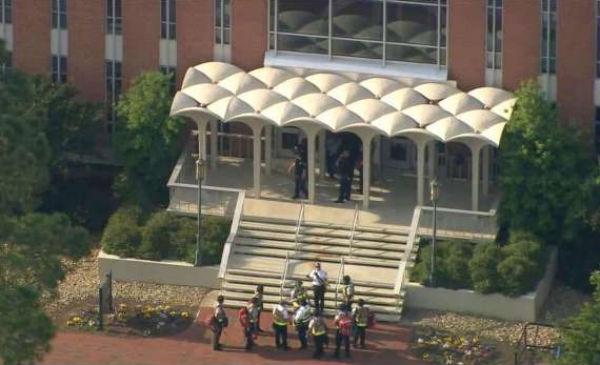 La Policía todavía no ha identificado al detenido y tampoco ha informado sobre el estado de los heridos.FOTO: ESPECIAL